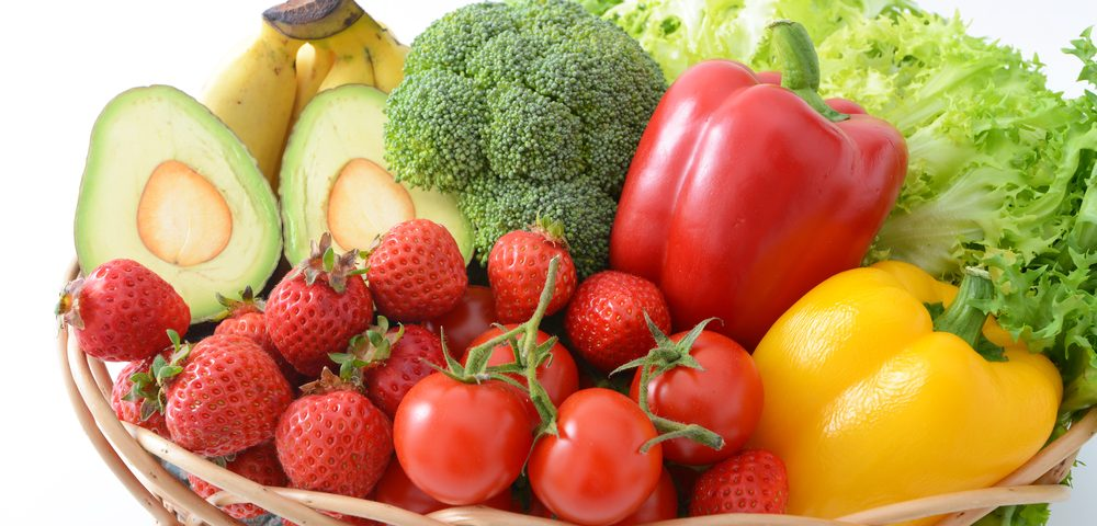 Smokers Should Eat More Fruits, Veggies to Prevent COPD, Study Suggests